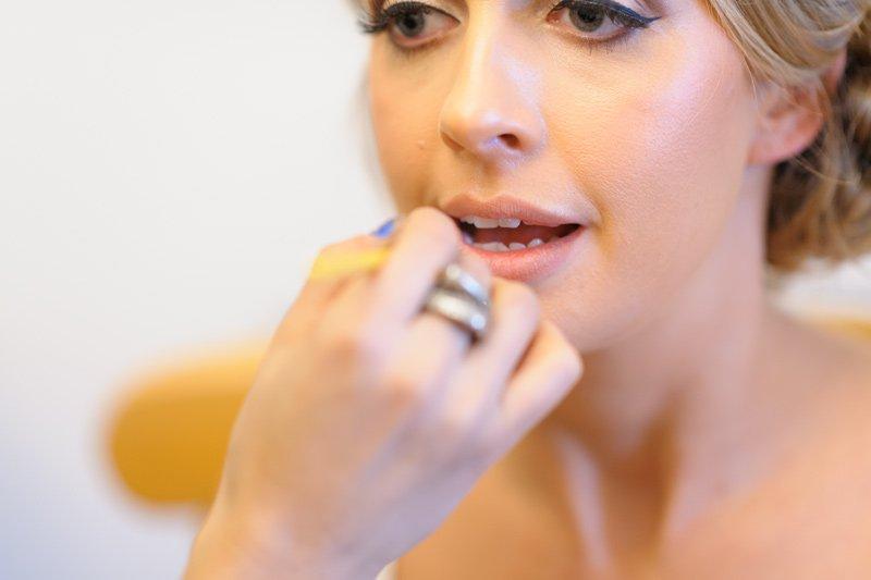 Photography of wedding make-up