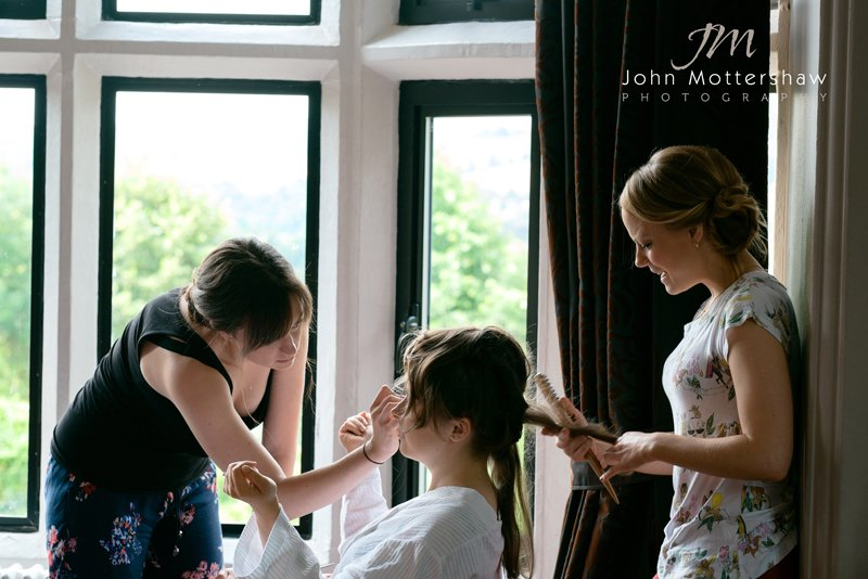 Bride having her make up done. Sheffield photographer